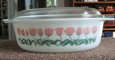 Rare Vintage Pyrex Oval Tulip Casserole 2 qt 045 34 very good pink green nm in Pottery & Glass, Glass, Glassware Vintage Bowls, Vintage Kitchenware, Vintage Dishes, Vintage Pyrex, Vintage Glassware, Kitsch, Rare Pyrex, Pink Pyrex, Glass Kitchen