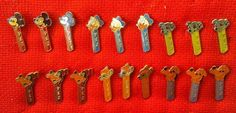 VINTAGE PINS PARADISE: PEZ PINS ORIGINAL 18 PINS SET 1970`S DISNEY CHARAC...http://www.ebay.com/itm/261599632403?ssPageName=STRK:MESELX:IT&_trksid=p3984.m1555.l2649