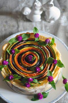Délices et Caprices: La tarte-serpentin (et rainbow) de légumes de Sonia Ezgulian