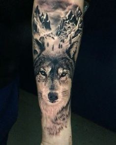 Today's #wolf #tattoo @bnginksociety @uktta @ink.ig @tattoodo @skinart_mag @realistictattoos @tattoorealistic