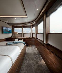 Bijoux is the first unit of Moonen& Caribbean-series. She has a length of Designed by Diana Yacht Design, René van der Velden and Adam Lay. Luxury Yacht Interior, Boat Interior, Luxury Yachts, Interior Design, Speed Boats, Power Boats, Yacht World, Interior Window Shutters, Yacht Design