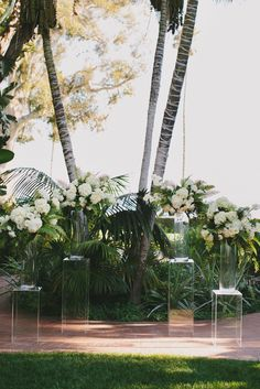 #Cocoscollections:   This Santa Barbara wedding features fun tropical décor, a gorgeous outdoor ceremony, and perfectly elegant reception details.