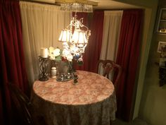 34 Rv Camping Decorating Ideas , A number of ideas are outlined below. Regardless of the sort of RV power source which you're inclined to use, it's always a great idea to select a hea. Travel Trailer Living, Travel Trailer Remodel, Travel Trailers, Camp Trailers, Dining Booth, Airstream Living, Camper Renovation, Camper Remodeling, Camper Storage