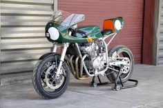 Suzuki Cafe Racer kit by Moto8ight #motorcycles #caferacer #motos   caferacerpasion.com