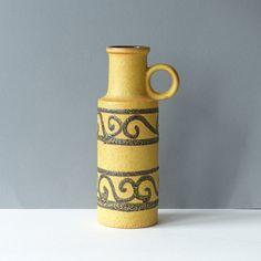 Grote vaas, Scheurich West Germany 401-28, WGP geel / bruin door PrettyandPreloved op Etsy