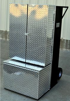 Aluminum Cattle Show Boxes | this new dolly box is a larger version of our 5ft dolly box it is 32 ...