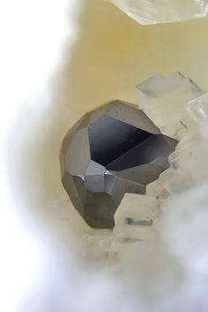 Seligmannite - Lengenbach Quarry, Fäld, Binn Valley, Wallis, Switzerland FOV : 1.5 mm