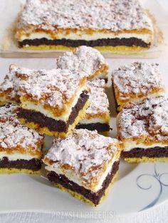 Makowy pleśniak - PrzyslijPrzepis.pl Polish Desserts, Polish Recipes, Sweet Recipes, Cake Recipes, Dessert Recipes, Instant Pot Dinner Recipes, Homemade Cakes, Christmas Desserts, Macaroons