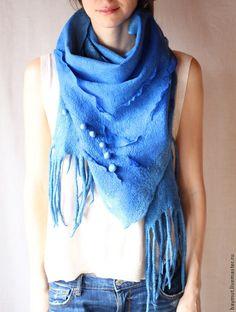 "Валяный бактус ""Ультрамарин"" - темно-синий,синий шарф,модный аксессуар"