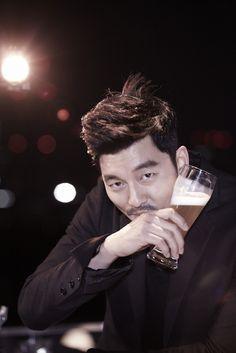 In love with Yoo ❤️ Watch Korean Drama, Korean Drama Series, Asian Actors, Korean Actors, Goblin Gong Yoo, Yoo Gong, Goong, Park Hyung Sik, Korean Music