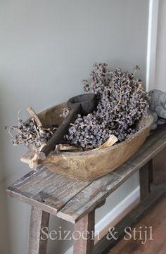 imagine lavender sprigs in this bowl!