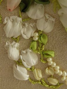 Gallery.ru / Фото #105 - Моя вышивка лентами 2 - Valehcia