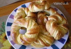 Kokosové * věnečky Czech Recipes, Biscuit Cookies, Bread Rolls, Bagel, Doughnut, Bread Recipes, Biscuits, Muffins, Brunch