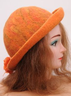 How+to+use+a+Resist+Shape+to+Make+a+Wet+Felted+Hat