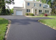 Choosing the best driveway material depends on many factors. Here's a look at how concrete driveways and asphalt driveways compare with input from the pros. Asphalt Driveway, Driveway Paving, Asphalt Roof, Driveway Design, Driveway Landscaping, Concrete Driveways, Driveway Ideas, Walkways, Landscaping Las Vegas