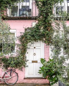 London Cafe, London Blog, London House, London Tumblr, Notting Hill London, London Drawing, British Travel, Holiday Lettings, London Pictures