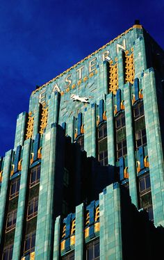 Art Deco building in Downtown Los Angeles. Architecture by Claud Beelman - Art Deco building in Downtown Los Angeles. Architecture by Claud Beelman Art Deco building in Downt - Beautiful Architecture, Art And Architecture, Architecture Details, Seattle Architecture, Downtown Los Angeles, Art Nouveau Arquitectura, Streamline Moderne, Art Deco Buildings, Modern Art Deco