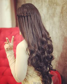 Makeup Bridal Indian Wedding Hairstyles Ideas - beautiful hair styles for wedding Open Hairstyles, Bride Hairstyles, Engagement Hairstyles, Hairstyles Videos, Updo Hairstyle, Curly Hair Styles, Natural Hair Styles, Types Of Hair Extensions, Indian Wedding Hairstyles