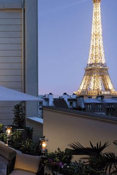 Sip a glass of French wine out on the terrace overlooking the Eiffel Tower. Shangri-La Paris (Paris, France) - Jetsetter