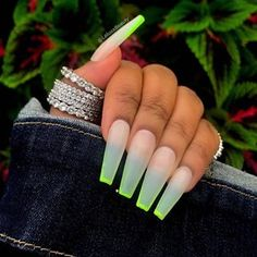 Semi-permanent varnish, false nails, patches: which manicure to choose? - My Nails Aycrlic Nails, Neon Nails, Swag Nails, Neon Green Nails, Summer Acrylic Nails, Best Acrylic Nails, Summer Nails, Milky Nails, Fire Nails