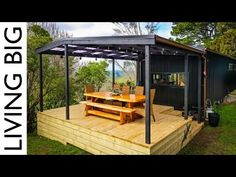(162) Amazing Modern Single Level Tiny House Gives Couple Ultimate Freedom - YouTube