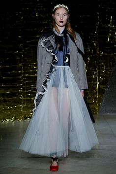Miu Miu Spring 2016 Ready-to-Wear Fashion Show