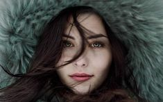 If you want to look more beautiful without makeup; This article discusses some important tips to look more attractive without makeup. Lightroom Gratis, Lightroom Presets, Emotional Awareness, Emotional Abuse, Winter Photography, Portrait Photography, Photography Ideas, Makeup Photography, Color Del Pelo