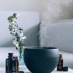 12 Essential Oil Diffuser Blends for Stress (Hello Glow) Best Essential Oil Diffuser, Essential Oils For Stress, Essential Oil Blends, Jeffree Star, Limpieza Natural, Essential Oil Jewelry, Aromatherapy Oils, Perfume, Tea Tree Oil