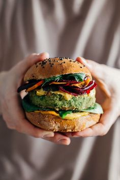 Green Monster Vegan Burger with Beet Chips and Spicy Vegan Mayo, Ellie Goulding and Jamie Oliver Recipe
