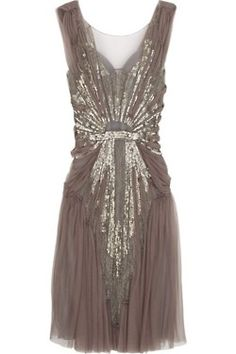 Great Gatsby Themed Party - Dwell Beautiful : Alberta Ferretti dark purple tulle sleeveless sequin and bead embellished scoop neck dress Estilo Gatsby, Pretty Dresses, Beautiful Dresses, Gorgeous Dress, Sparkly Dresses, Gorgeous Gorgeous, Sparkly Heels, Pretty Outfits, Beautiful Things