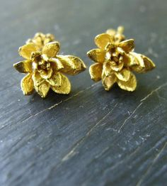 Field Flower Gold Earrings