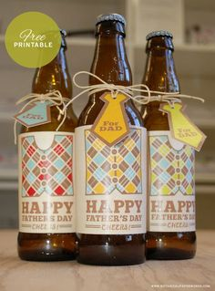Doing this for Fathers Day! Free Printable Fathers Day Beer labels and tags from the stylists at Botanical PaperWorks. Diy Father's Day Gifts Easy, Father's Day Diy, Gifts For Dad, Fathers Day Crafts, Happy Fathers Day, Bottle Labels, Beer Labels, Drink Labels, Ideas Decoracion Cumpleaños