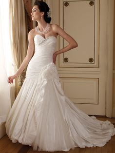 perfect strapless sweetheart ball gown winter wedding dress 2012