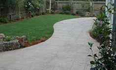 Home-Dzine - How to lay a DIY concrete patio Outdoor Patio Designs, Diy Patio, Backyard Patio, Modern Landscaping, Outdoor Landscaping, Outdoor Gardens, Poured Concrete Patio, Laying Concrete, Concrete Patios