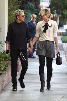 Ellen DeGeneres and Portia de Rossi Hold Hands During a Rare Yet Delightful LA Outing Photo of Ellen DeGeneres and Portia de Rossi Hold Hands During a Rare Yet Delightful LA Outing Ellen Degeneres And Portia, Ellen And Portia, Couple Outfits, Short Outfits, Casual Outfits, Girls Holding Hands, Hold Hands, Portia De Rossi, The Ellen Show