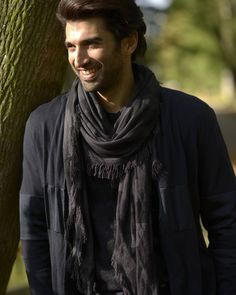 Here's to a terrific birthday #AdityaRoyKapur!!!! Wishing a year full of #Fitoor to you!!!