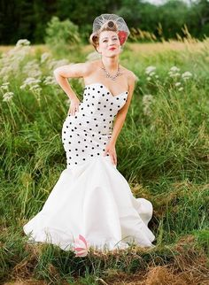 Fun and sexy way to rock a vintage look with modern flare. Mermaid dress polka dots retro classy wedding gown veil birdcage rockabilly hair by corine Pin Up Vintage, Rockabilly Wedding Dresses, Rockabilly Hair, Polka Dot Wedding Dress, Dot Dress, Bridal Gowns, Wedding Gowns, Wedding Attire, Trendy Wedding