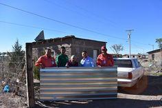 El Departamento de Protección Civil continúa con la entrega de láminas en la cabecera municipal, mismas que benefician a familias vulnerables....