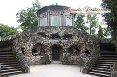 Grottenhaus mit Belvedere/ Schneckenhaus Schloss und Rokokogarten in Veitshöchheim