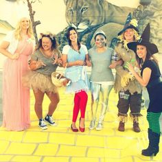 Wizard of Oz costumes! More  sc 1 st  Pinterest & Wizard of Oz group costume | HOLIDAYS/PARTYS! | Pinterest | Costumes ...