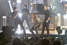 Luke Bryan Photos Photos: General Views of the CMA Awards Trophy Country Artists, Country Singers, Brian Kelley, Tyler Hubbard, Shake It For Me, Country Music News, Cma Awards, Florida Georgia Line, Country Men