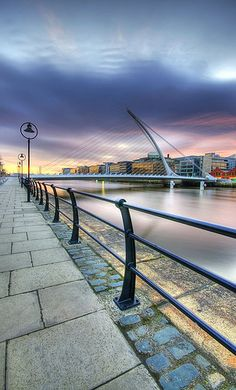 10 Things to See in Ireland - Must See Attractions - Travel With Erin Ireland, Visit Dublin, Im Coming Home, Dublin City, Green Landscape, Emerald Isle, Ireland Travel, Places Around The World, Northern Ireland