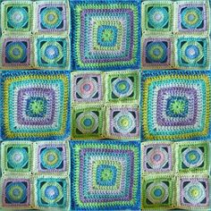 Got the blues. Beautiful granny square blues This would be a great quilt pattern too Crochet Blocks, Crochet Squares, Crochet Granny, Crochet Motif, Crochet Stitches, Knit Crochet, Crochet Patterns, Granny Squares, Crochet Cushions