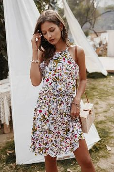 Strapless Floral Print Casual Slip Sundress – Simple Craze Short Sundress, Halter Sundress, Halter Mini Dress, White Mini Dress, Ruffle Dress, Mini Dresses, Women's Dresses, Floral Dress Outfits, Boho Dress