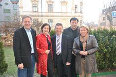 ÖAAB-Bundesobfrau BM Mag. Johanna Mikl-Leitner (2 v.li.) traf Mitte März im Rahmen ihres Tirol-Besuchs mit dem Präsidenten der Tiroler Arbeiterkammer und bundesweiten Vorsitzenden der ÖAAB/FCG-Arbeiterkammerfraktion, Erwin Zangerl (li.), mit dem Bürgermeisterkandidaten der ÖVP Innsbruck Innsbruck, Dr. Christoph Platzgummer (Mi.), mit Tirols AAB-Landesobmann LAbg. Dr. Andreas Köll (2 v.r.), sowie mit Tirols AAB-Landesgeschäftsführerin Astrid Stadler (re.) zusammen.