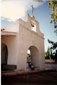 Capilla de 1770,con paredes de adobe de 1 metro de espesor- Calingasta, San Juan