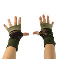 Toddler Arm Warmers in Green Camo  Camouflage  by mirabeans