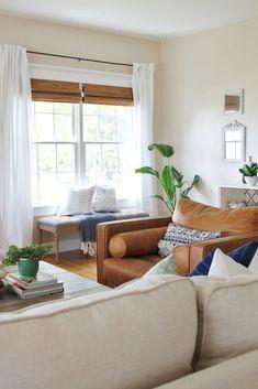 60 cool modern farmhouse living room decor ideas (61)