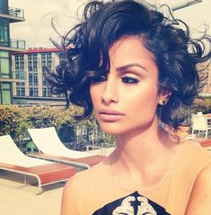 Bob hairstyles are having the biggest moment right now. So here in this post we have collected the latest Celebrity Short Bob Hairstyles You Should See! Curly Hair Model, Short Curly Hair, Curly Hair Styles, Short Wavy, Medium Curly, Messy Hair, Hair Medium, Thick Hair, Medium Long