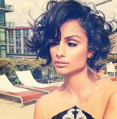 Nazanin Mand-love her hair this way!i